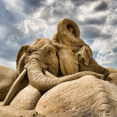 awesome-sand-sculpture-(19).jpg